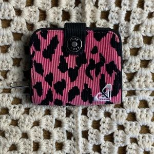 THROWBACK late 90s ROXY leopard print wallet